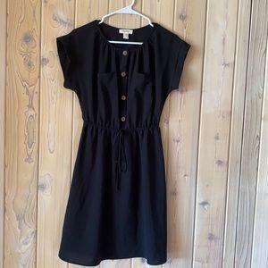 Classic Black Dress w Brown Buttons• M